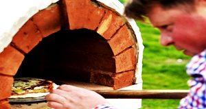 Foto: Sodyba su maitinimu - maistas pečiuje