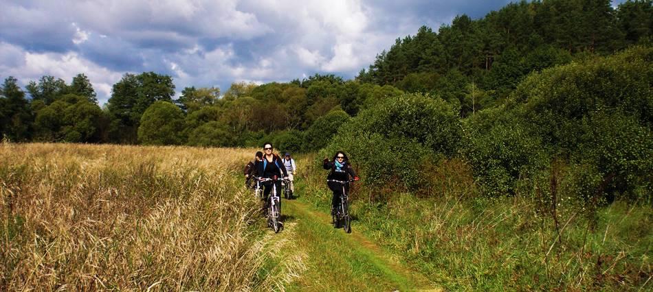 Pasivažinėjimas dviračiais- pramogos kaimo turizmo sodyboje