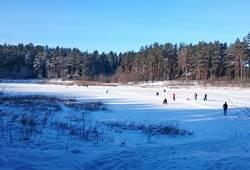 Foto: slidinėjimas sodyboje ir pramogos žiemą - Dzūkijos uoga