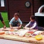 """שיעורי בישול ליטאיים לילדים בוילה """"Dzukijos uoga"""""""